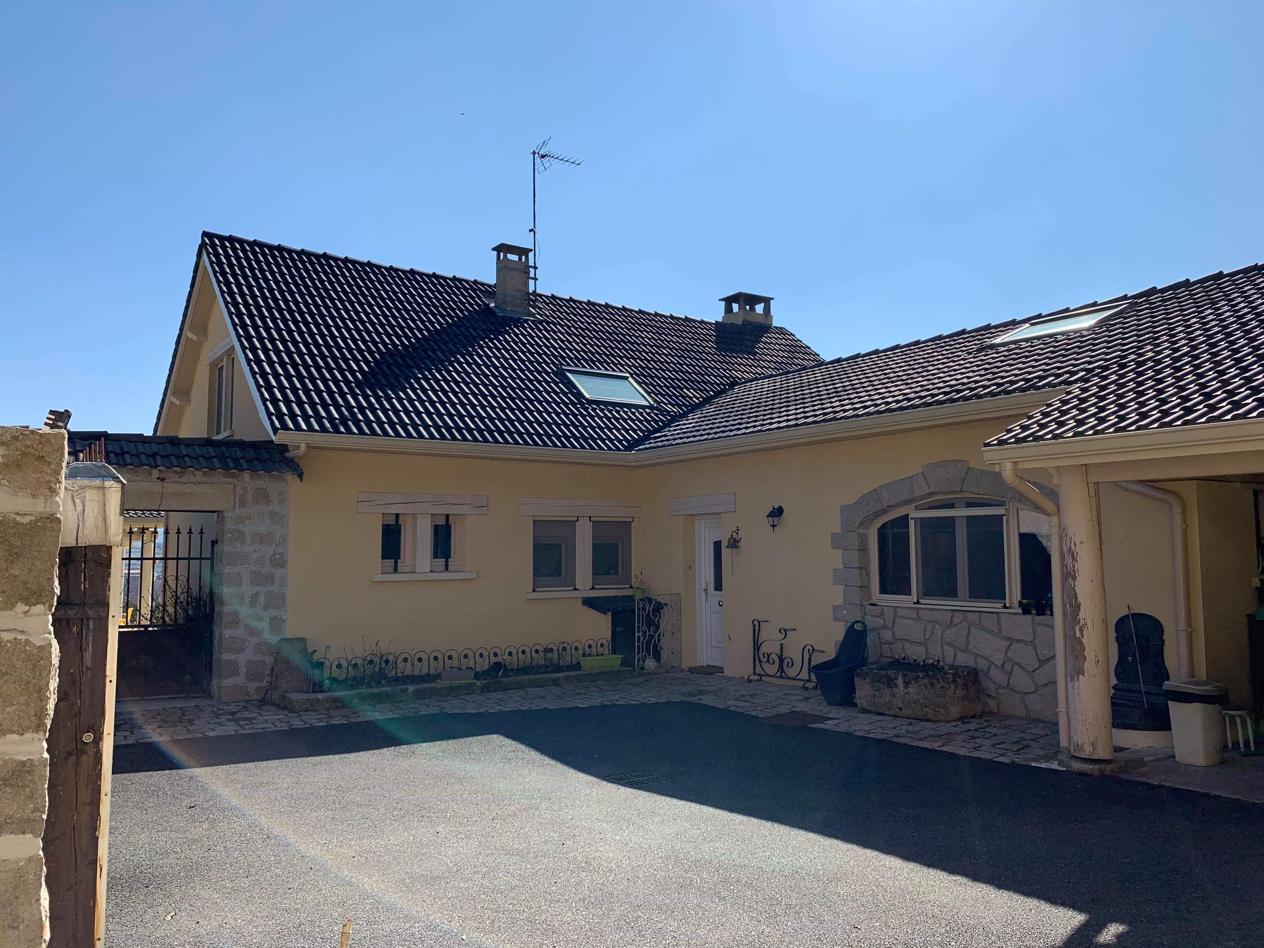 Vie Et Veranda Thoiry vente secteur blavozy ! maison 200m² sur 1500m² de terrain